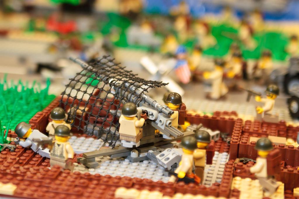 1210_BrickCon2012_00089