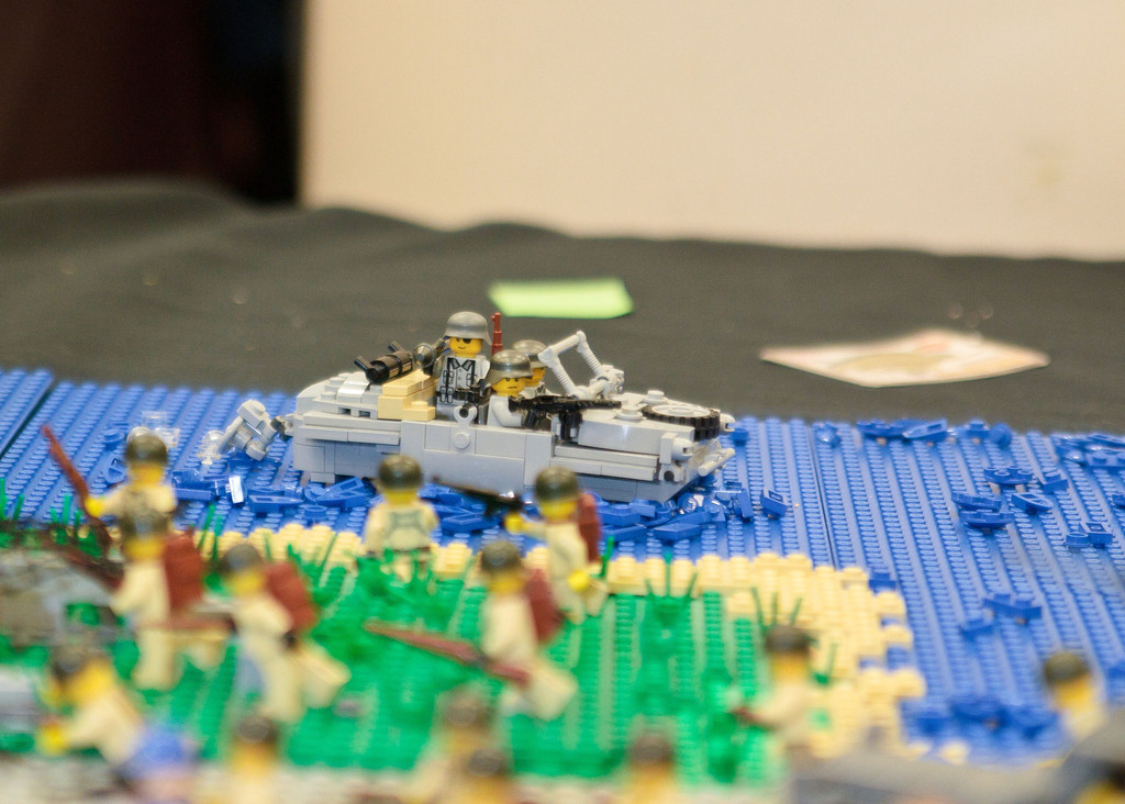 1210_BrickCon2012_00093