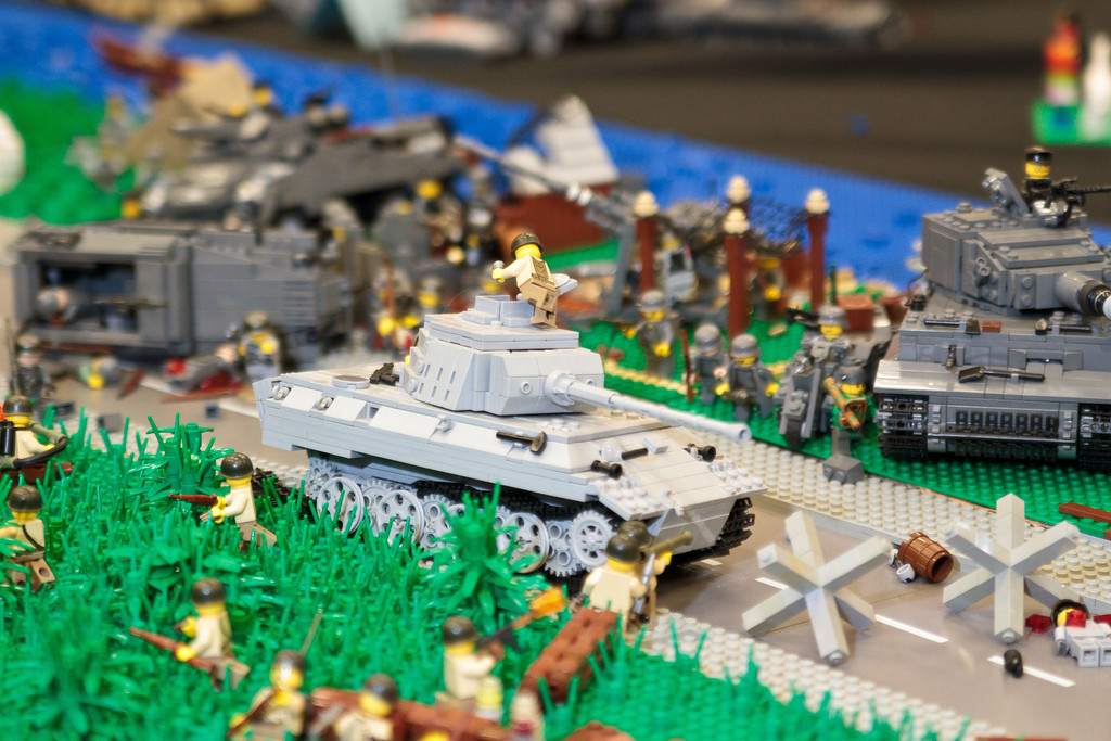 1210_BrickCon2012_00013