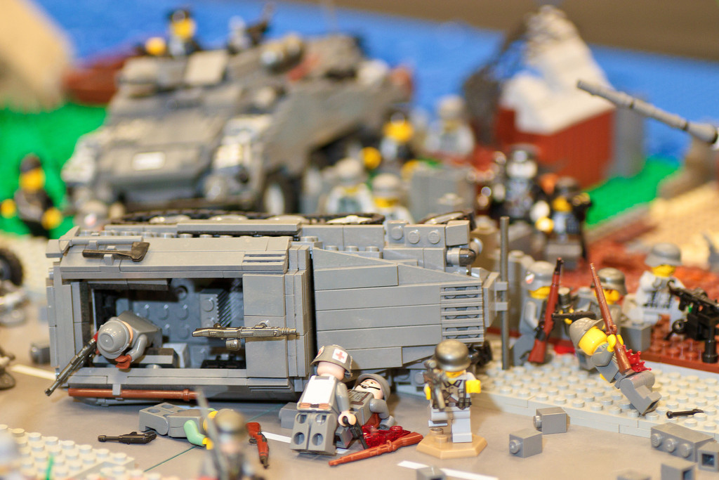 1210_BrickCon2012_00105