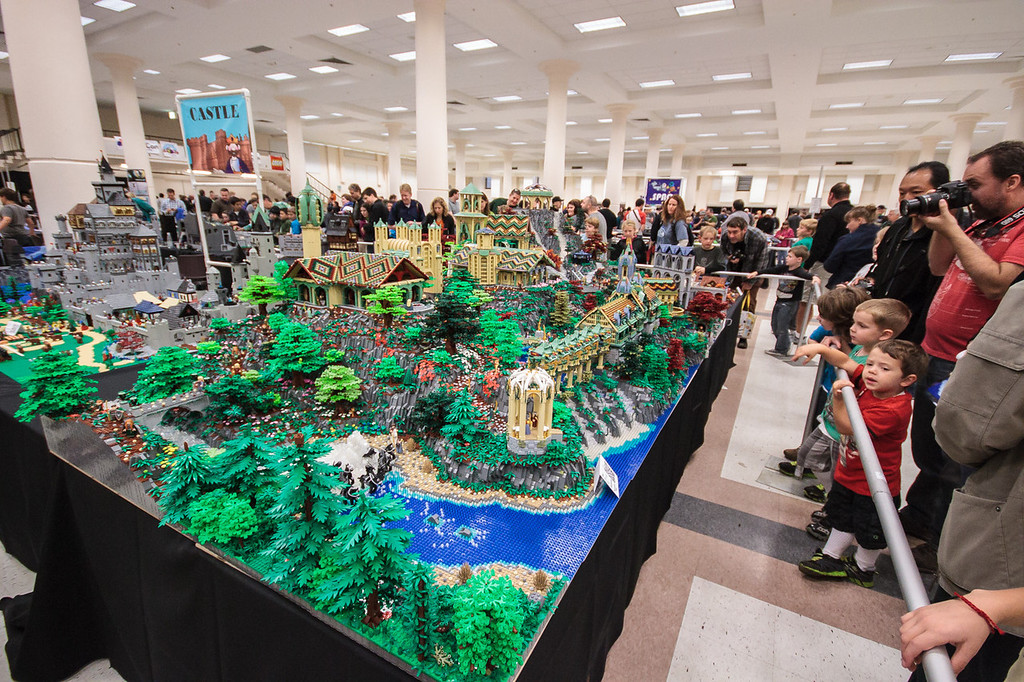 BrickCon2013_100613_4138