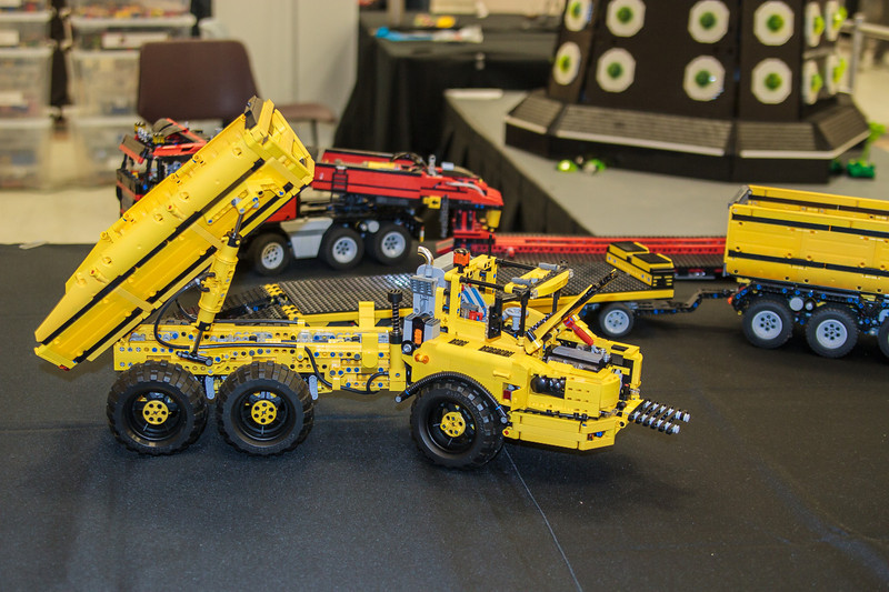 BrickCon2013_100613_4118