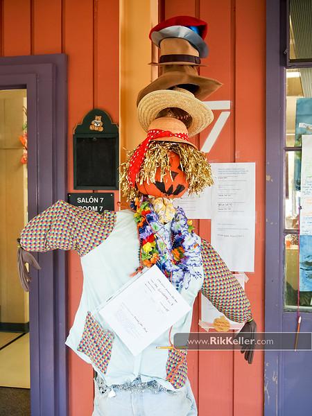 """Caps For Sale""<br /> (Sra. Guttiérrez's Kindergarten class scarecrow)"