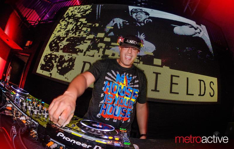 DJ Fields - Aura