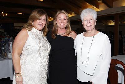 IMG_9245 Susan Goett,Micki Humbert & Jane Goett