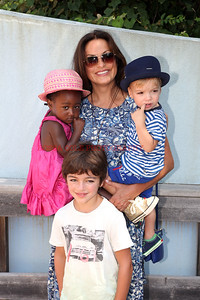 0683-Mariska Hargitay with Children, Amaya, Andrew, August