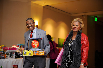 LOS ANGELES:CONGRESSWOMAN MAXINE WATER CELEBRATES THE 43 DISTRICT CHRISTMAS PARTY ON DECEMBER 19,M 2013  (Photo by Valerie Goodloe/