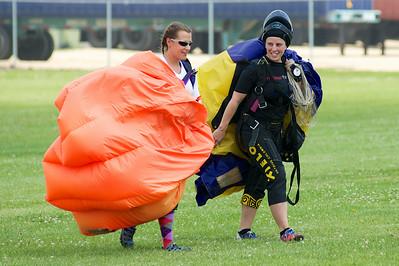 Sisters in Skydiving 2014