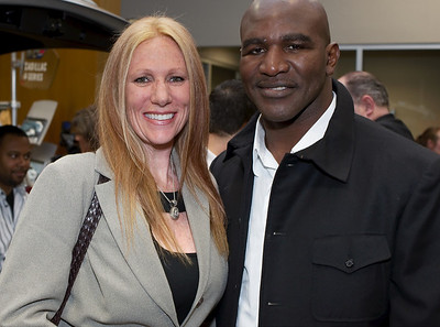 Yep the one and only incredible Evander Holyfield in this photograph. Evander still boxes!