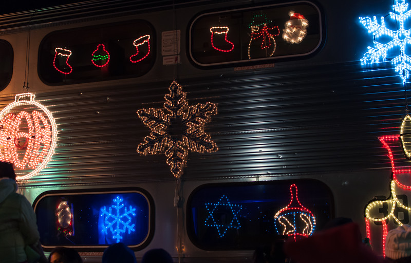 1312_holiday_train_072.jpg