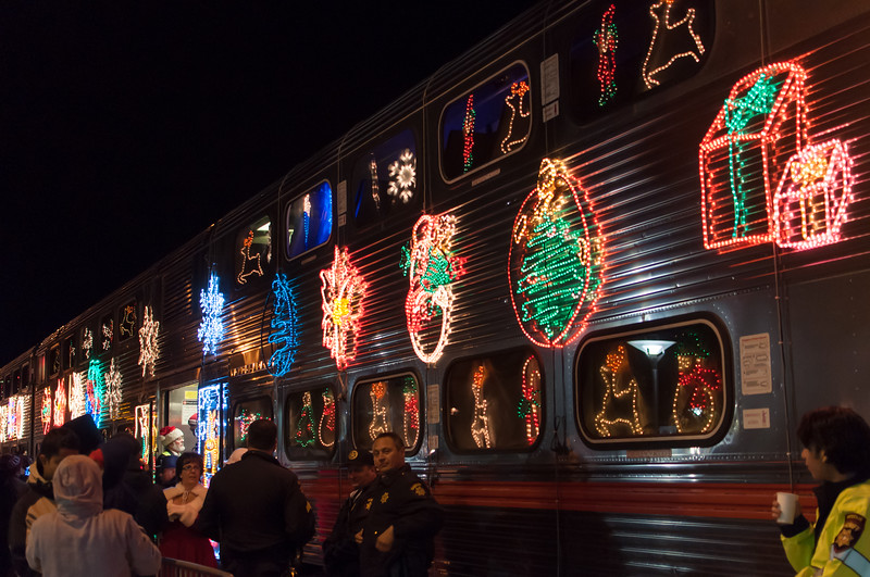 1312_holiday_train_064.jpg