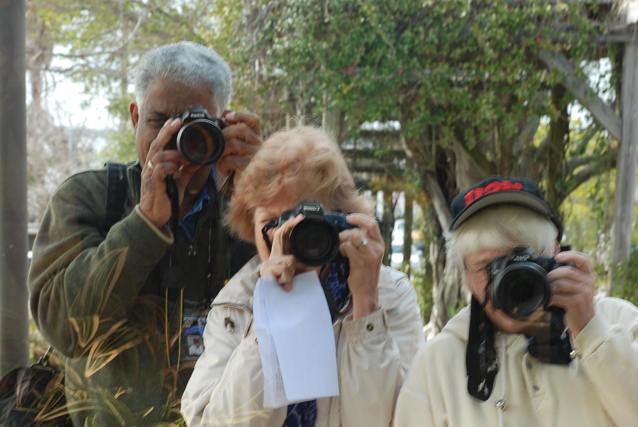 Team 2 - Creative Group of 3 Photographers