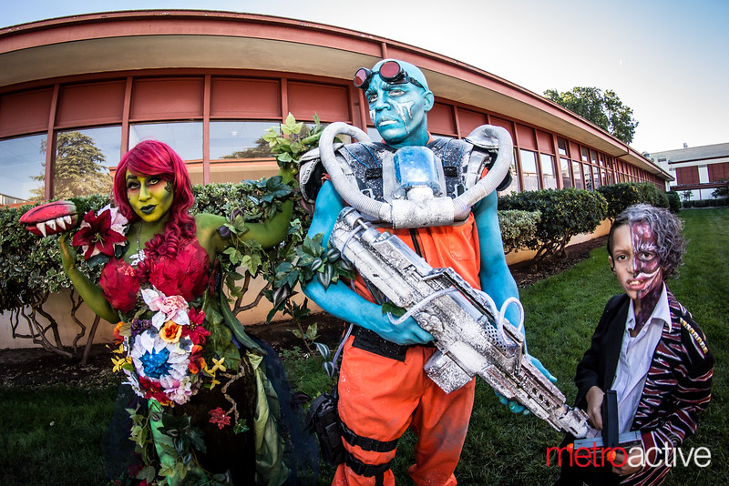 Poison Ivy, Mr. Freeze and Two Face Cosplayer Family