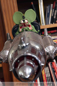 Rat Fink lamp.