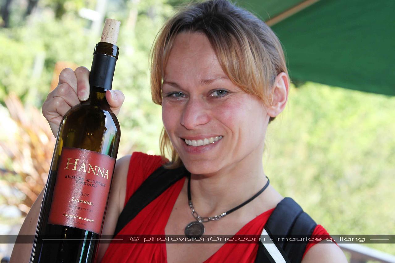 Hana finds her wine!