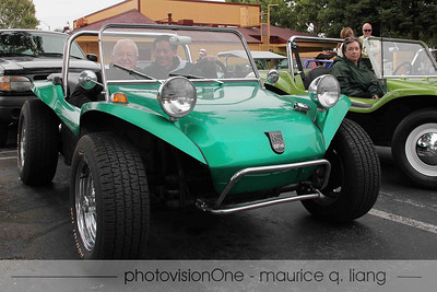 Bruce rides with Maurice in his classic Manx.  How cool is that!?  (Photo by Wayne Karnes)