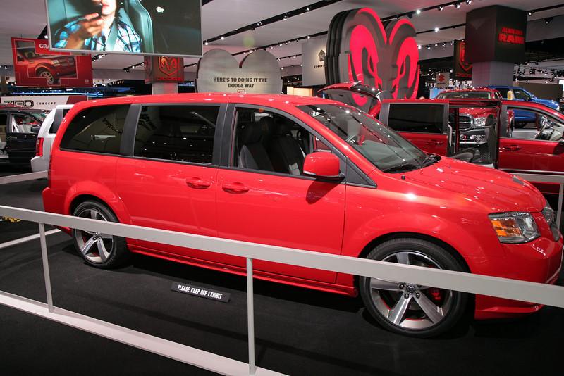 Dodge Caravan SRT - 'Yea, its gotta Hemi...'