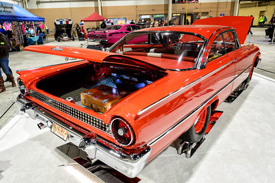 Larry and Patty Hill's 1961 Ford Starliner