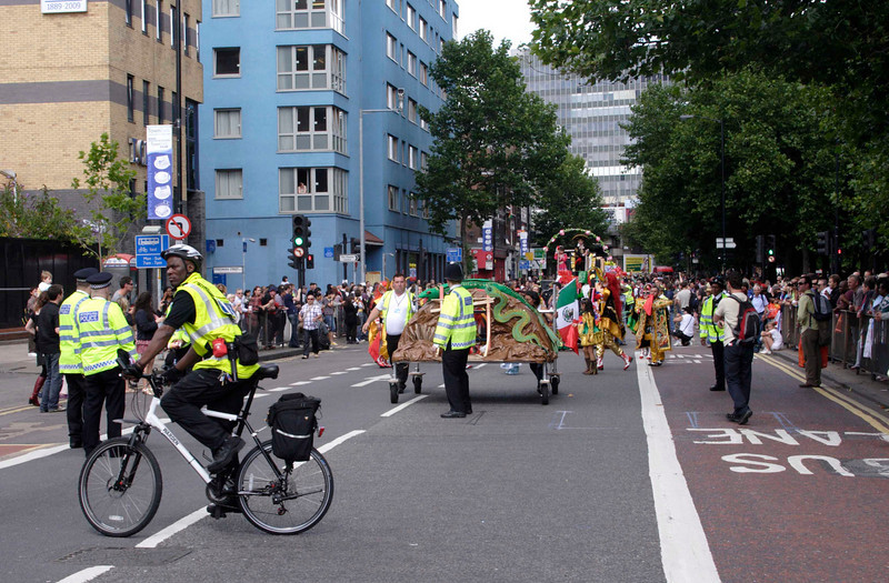 Police presence at Carnival del Pueblo London 2009