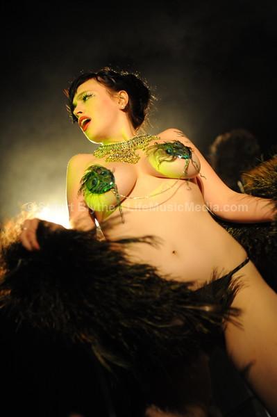 "<a href=""http://www.laviolavixen.com/"" target=""_wina"">La Viola Vixen</a>  Photographer: <a href=""http://stuartblythe.com"">Stuart Blythe</a>"