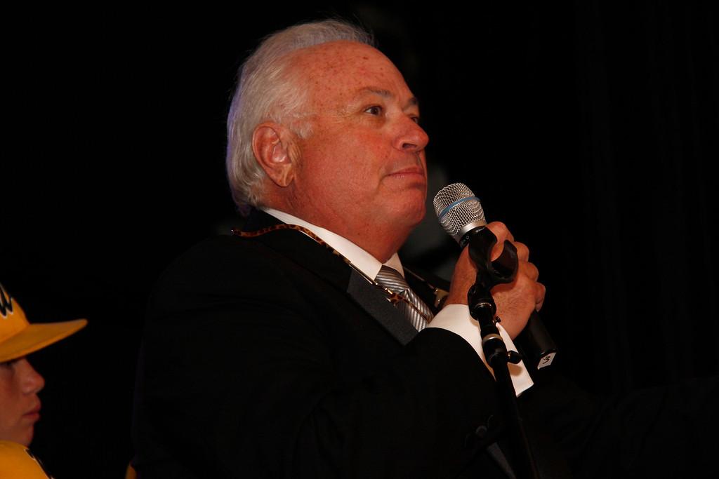 Your host Arnie Cohen.
