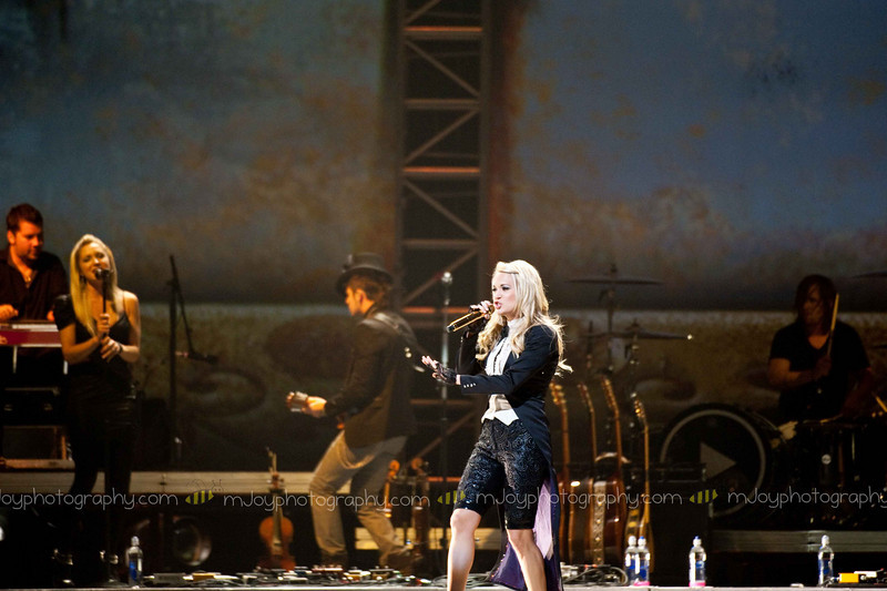 Carrie Underwood | Fargo Dome | Fargo ND | 06.17.10