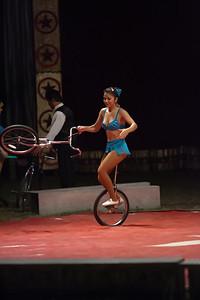 Carson & Barnes Circus 090111-2376