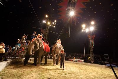Carson & Barnes Circus 090111-2045