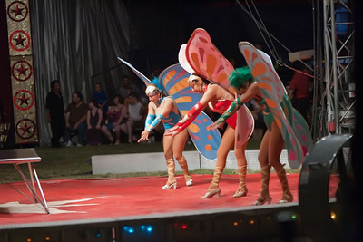 Carson & Barnes Circus 090111-2400