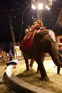 Carson & Barnes Circus 090111-2043