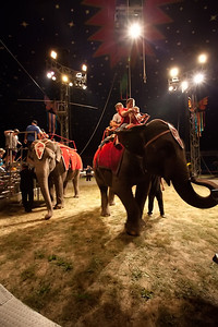 Carson & Barnes Circus 090111-2046
