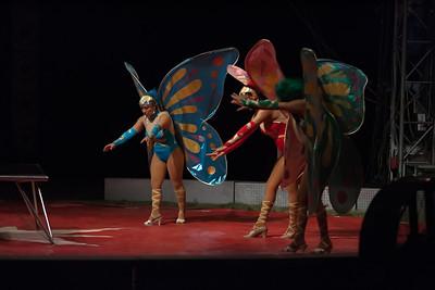 Carson & Barnes Circus 090111-2403