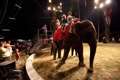 Carson & Barnes Circus 090111-2047