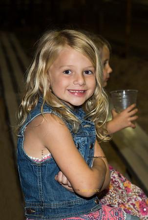 Riley girl at Hogs 1391