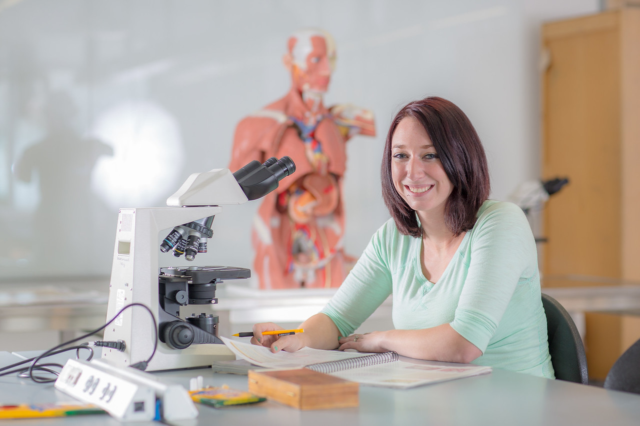 Kelsey Gordon studies for a quiz in her summer sessions anatomy and physiology lab in the Murie Building.