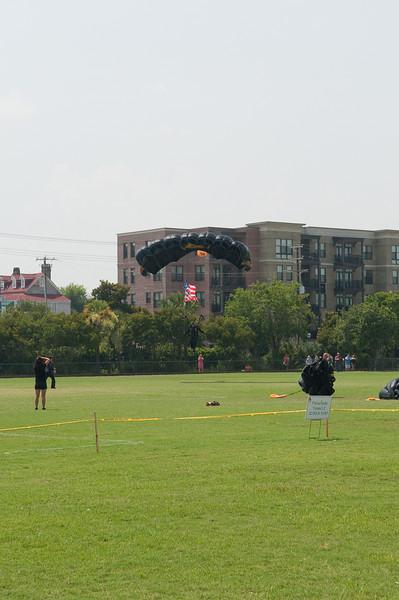 Para-Commandos landing, Ansonborough Field