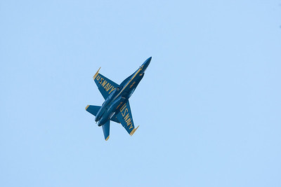 Blue Angels, going vertical