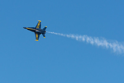 Blue Angels, smoke trail