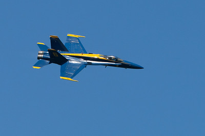 Blue Angels, banking right