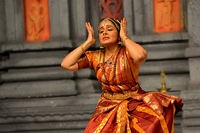 "Arupadai Veedu. Thejas School, Chennai. Guru: Srekala Bharath. Performance at Chidambaram Natyanjali Dance Festival 2015 held at Chidambaram in February 2015. The festival is known for its serenity and uniqueness of the devotion of the dancers dedicating their ""Natya"" (Dance) as ""Anjali"" (Offering) and worship to the Lord of Dance - Lord Nataraja (Shiva)."