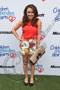 PACIFIC PALISADES, CA - APRIL 22:  Actress Jennifer Veal arrives at The Children Mending Hearts 4th annual spring benefit on April 22, 2012 in Pacific Palisades, California.  (Photo by Chelsea Lauren/Getty Images)
