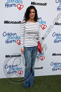 PACIFIC PALISADES, CA - APRIL 22:  Event co-chair Keri Selig arrives at The Children Mending Hearts 4th annual spring benefit on April 22, 2012 in Pacific Palisades, California.  (Photo by Chelsea Lauren/Getty Images)