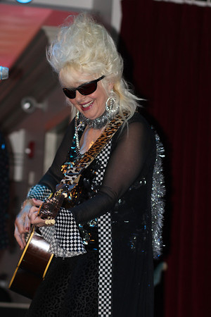 Christine Ohlman bringing in a happy New Year 2014