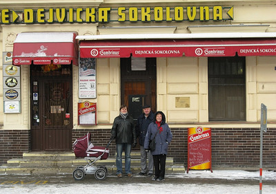 Brother-in-law Luboš, mom and dad at the Dejvická Sokolovna pub in Prague
