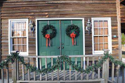 Christmas Decorating 2010 Final Push