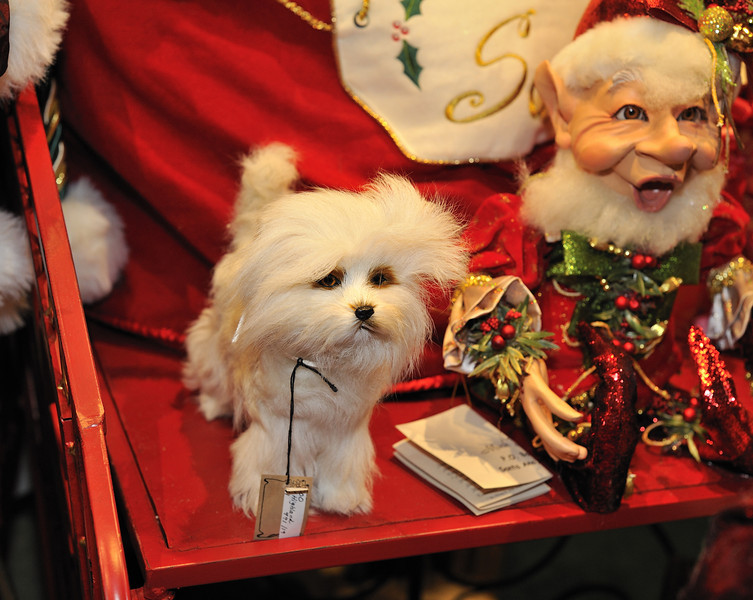 "Photos of the best Christmas gifts sold at ""LG Gallery"" on 8975 W. Charleston Blvd., Suite #140, Las Vegas, NV 89117 (702) 258-1073."