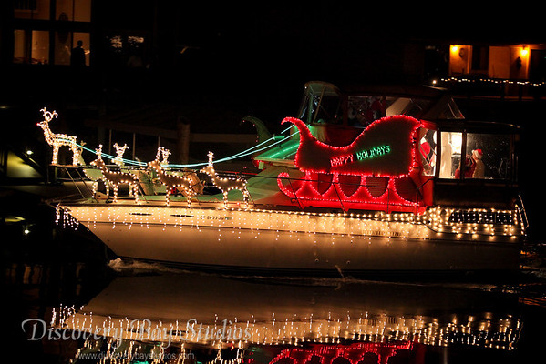 DiscoveryBayStudios Christmas Lighted Boat Parade 12112010 IMG 8282
