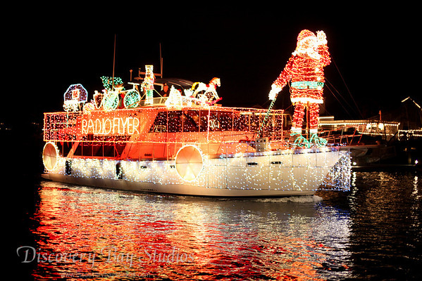 DiscoveryBayStudios Christmas Lighted Boat Parade 12112010 IMG 8319
