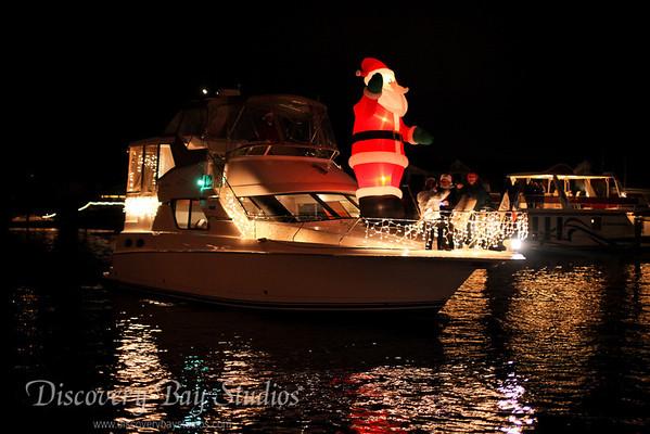 DiscoveryBayStudios Christmas Lighted Boat Parade 12112010 IMG 8325