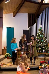 Christmas-program-2010-18